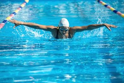 Cranberry gehört zum festen Ernährungsplan von Schwimmerinnen